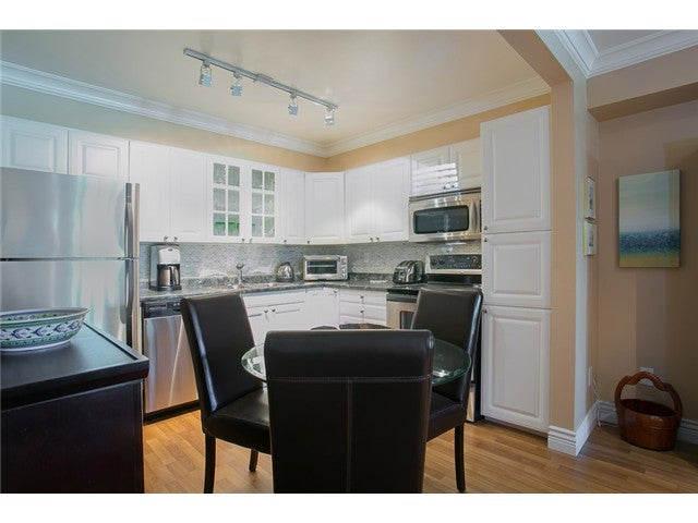 # 3208 33 CHESTERFIELD PL - Lower Lonsdale Apartment/Condo for sale, 1 Bedroom (V1111486) #4