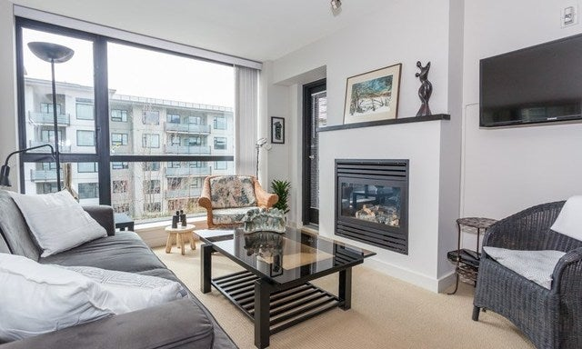 404 123 West 1ST STREET - Lower Lonsdale Apartment/Condo for sale, 1 Bedroom (r2154909) #1