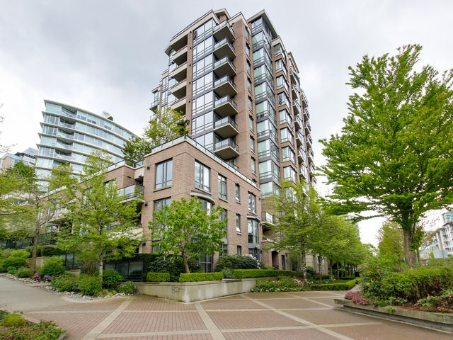 806 170 W 1ST STREET - Lower Lonsdale Apartment/Condo for sale, 3 Bedrooms (M2147637) #1